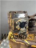 Commercial Hydraulic pump Commercial D230-32 657735C91, 2000, Rupsdozers