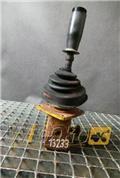 Komatsu PC300-5, 2000, Kiti naudoti statybos komponentai