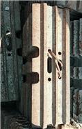 Komatsu -, Tracks, chains and undercarriage