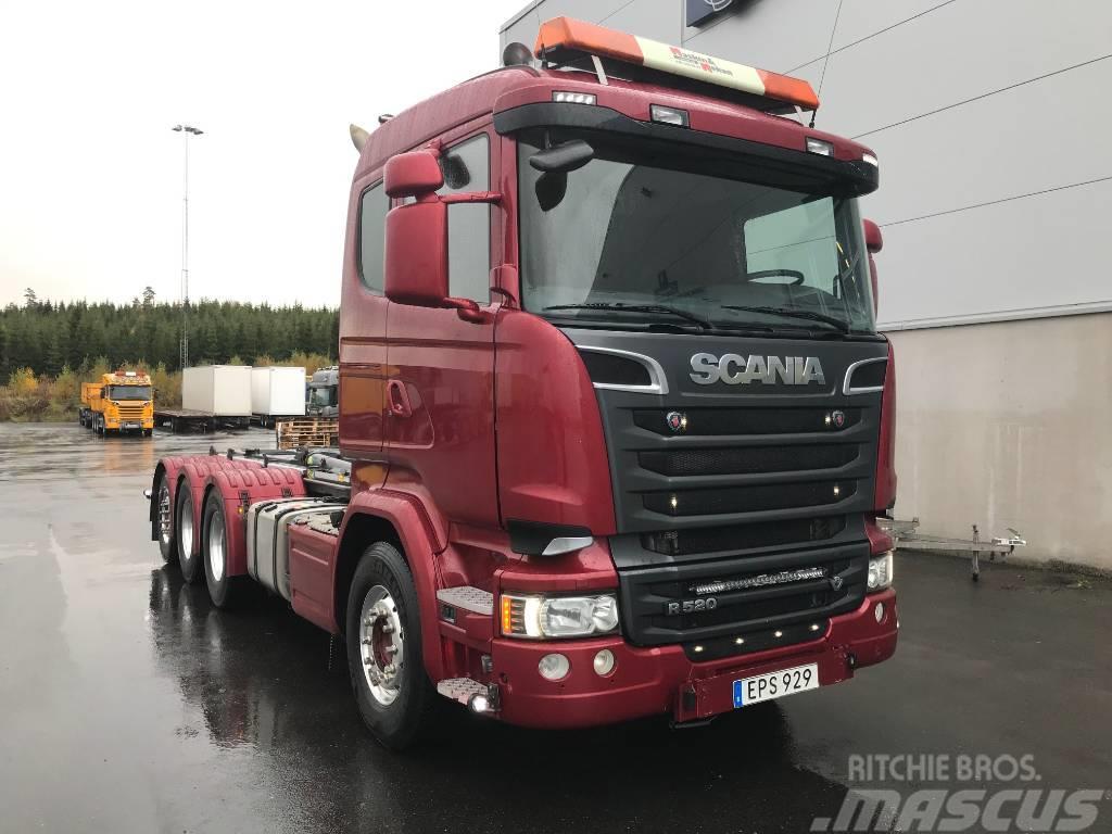 Scania R520 8x4*4