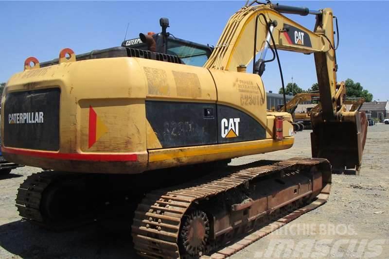 Caterpillar 323D