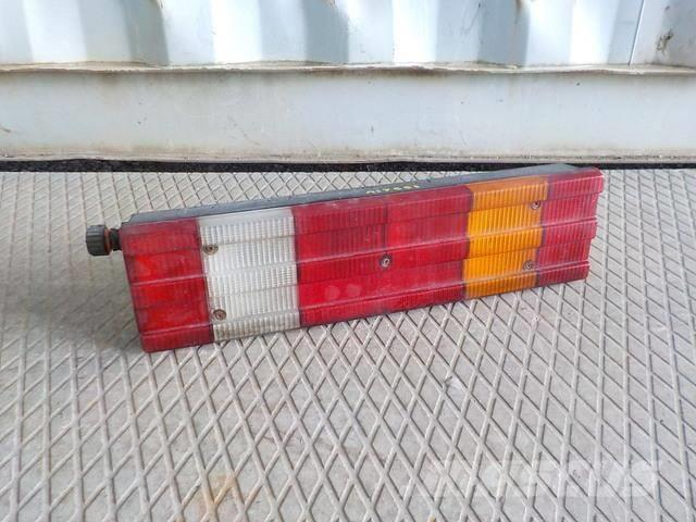 Mercedes-Benz Actros MPII Tail light right 21 0015405870 0015406