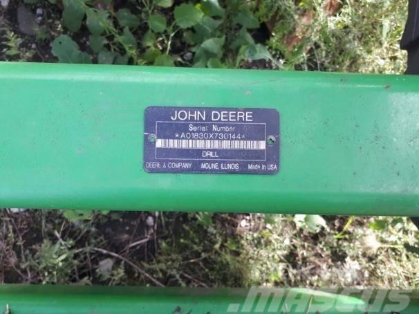 John Deere 1820