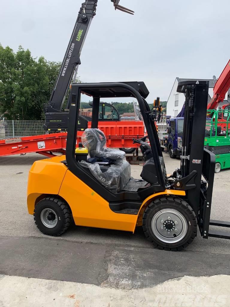 Maximal FD30T-A, 3 ton diesel fork lift, side shift