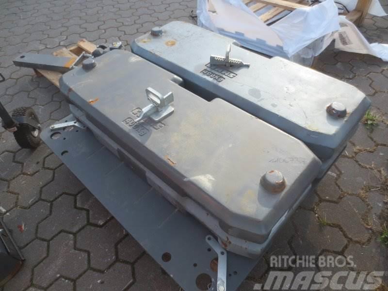 CLAAS 4x Gewichtsplatten für Xerion