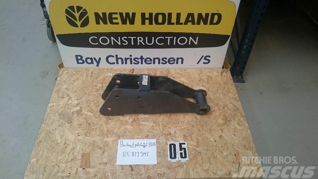 New Holland LB115 Beslag for pallegafler