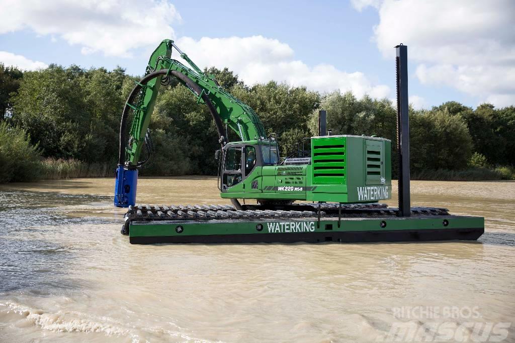 Waterking amphibious excavator 22 ton class with dredge pump