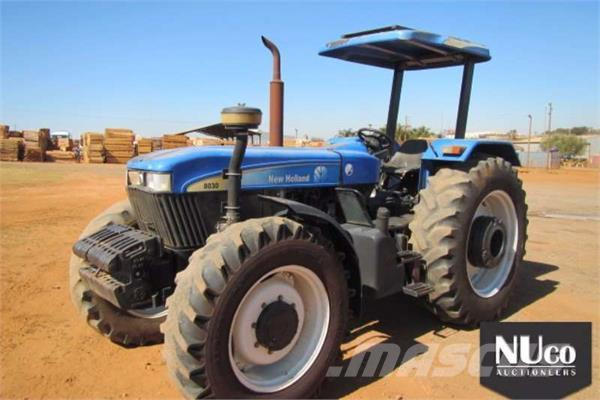 New Holland 8030 TRACTOR