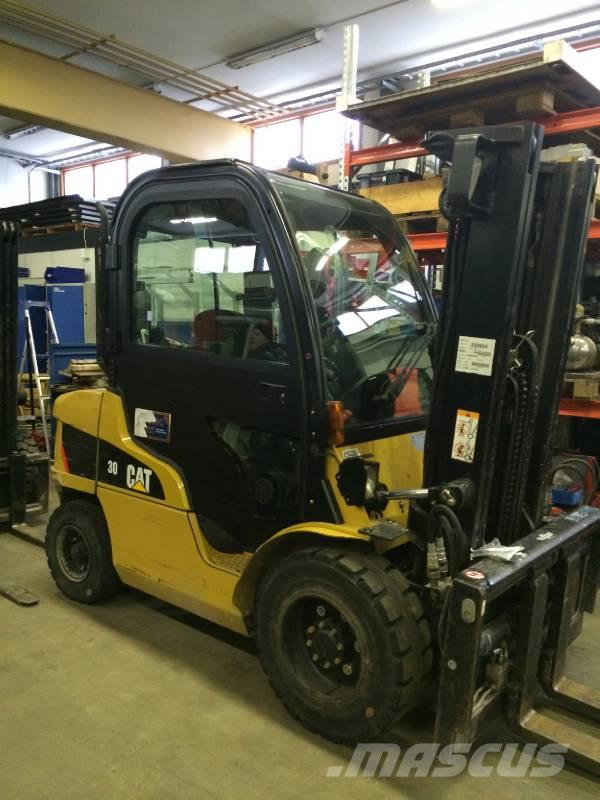 Used Caterpillar DP30N diesel Forklifts Year: 2007 for sale