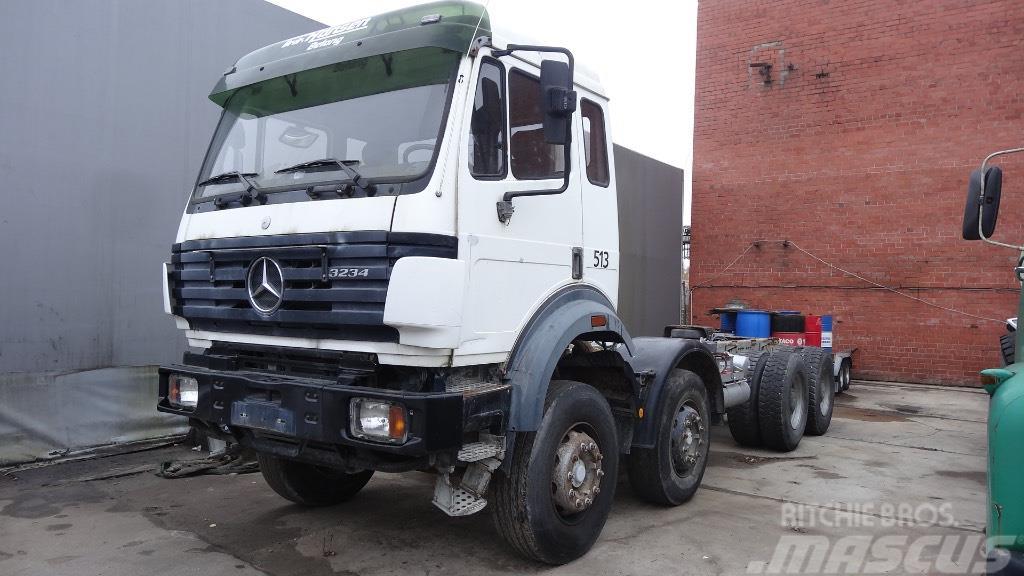 Mercedes-Benz 3234