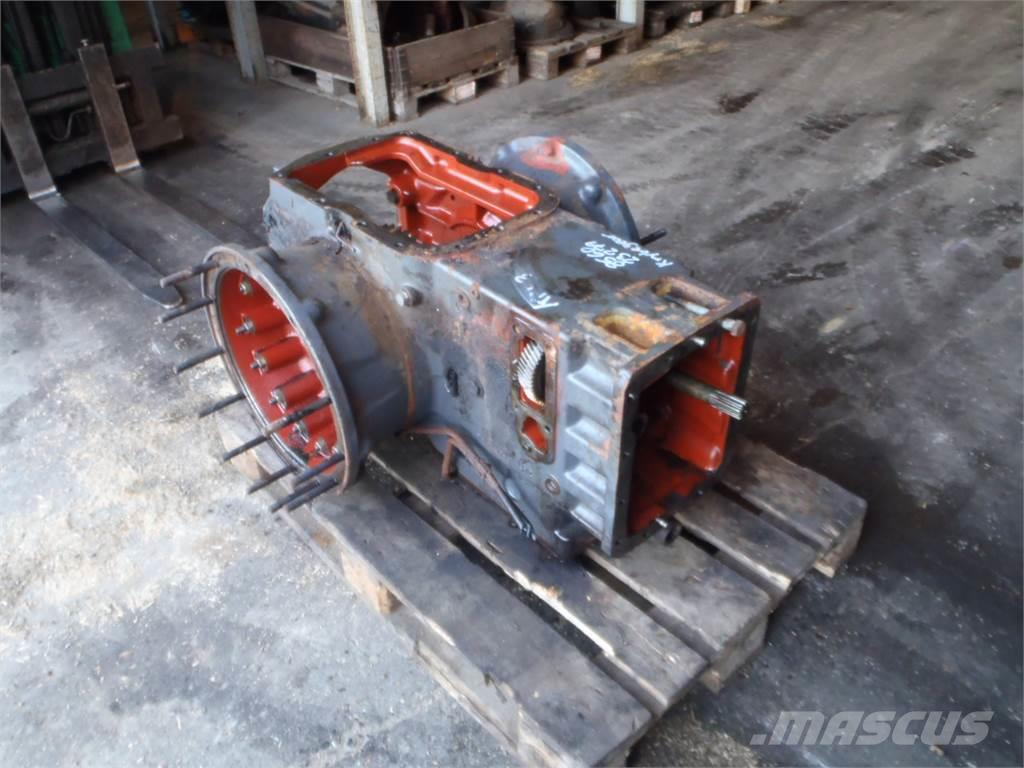 [Other] Rear transmission New Holland 8560