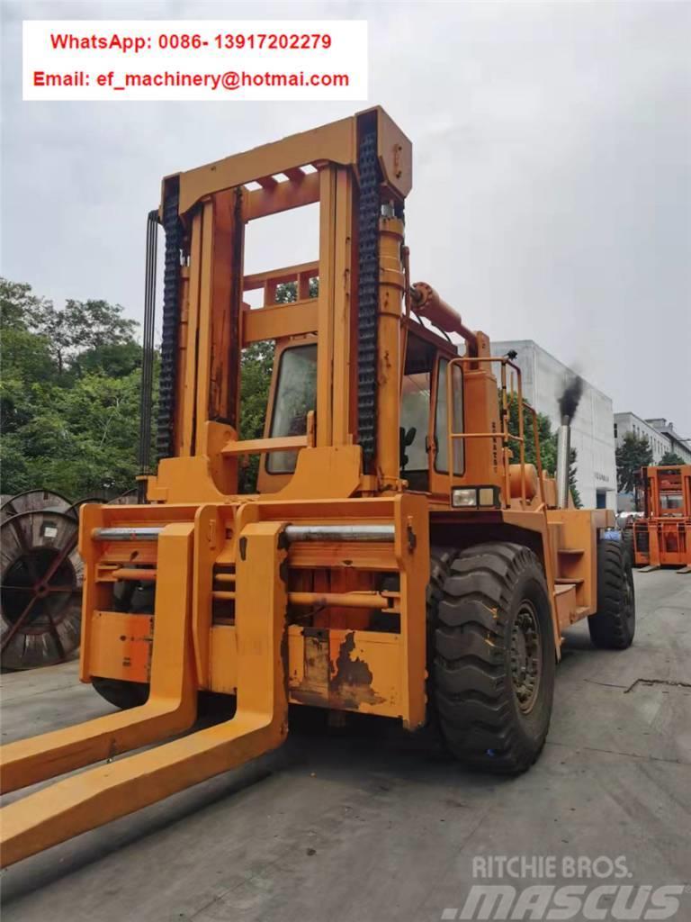 Komatsu FD400  Komatsu 40 ton forklift