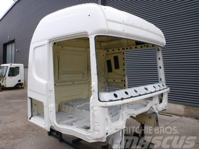 Scania R 730 renoverad hytt