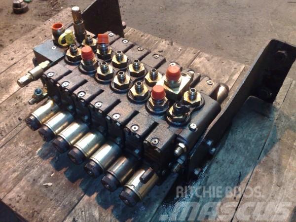 Timberjack 1270B Crane valve bank