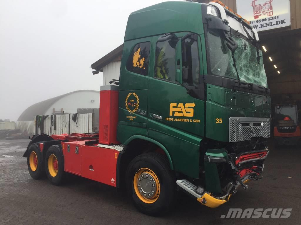 Volvo FH4 FH16 650 HP 6X4 EURO 6  *DAMAGED*
