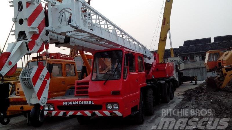 Tadano TL300E 30Ton Tadano truck crane