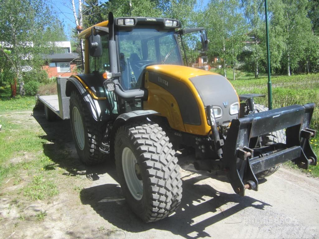 Valtra N101 Traktori