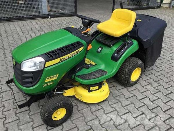 used john deere x135r rasentraktor m greens mowers year 2014 price 3 677 for sale mascus usa. Black Bedroom Furniture Sets. Home Design Ideas