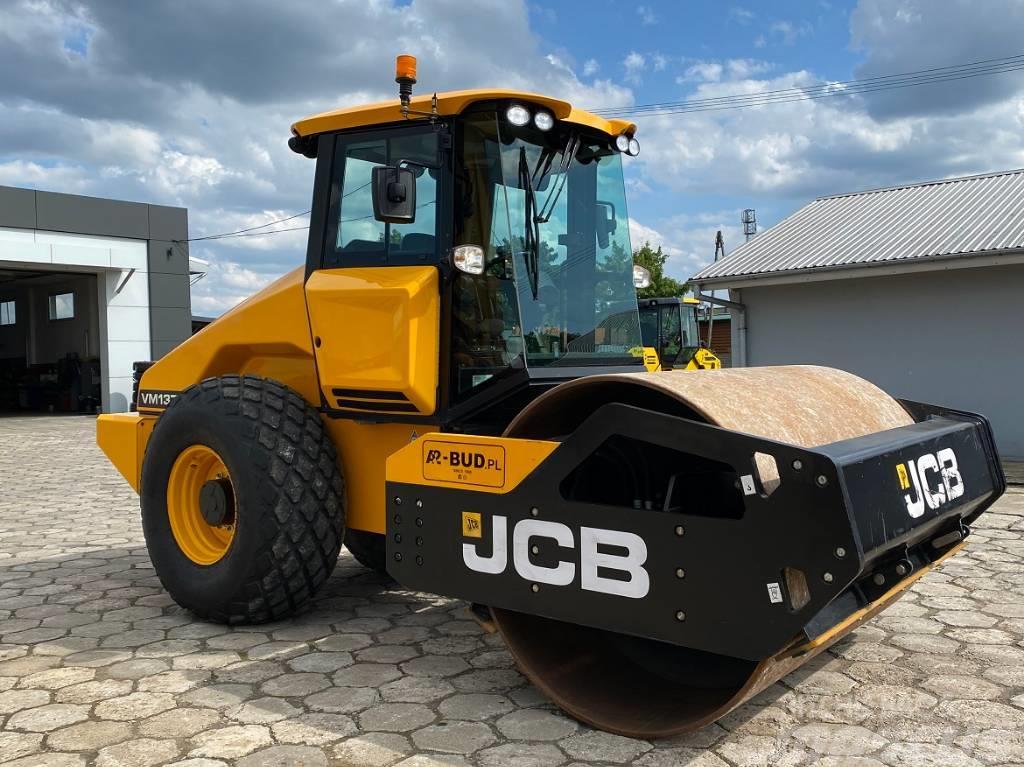 JCB VM 137 D *  LIKE NEW *