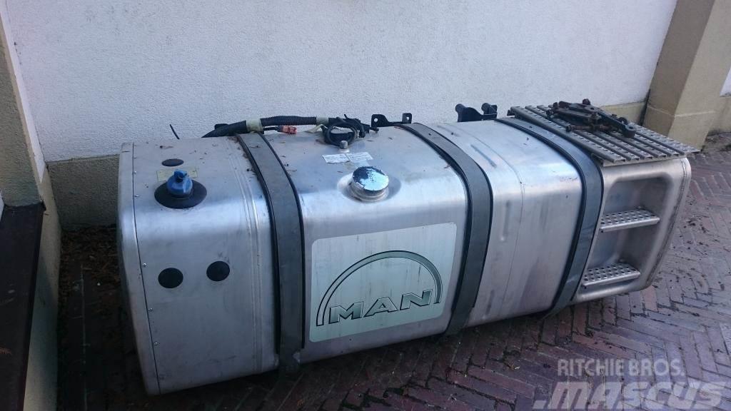 MAN TGA Dieseltank 760L + 100L ADBlue