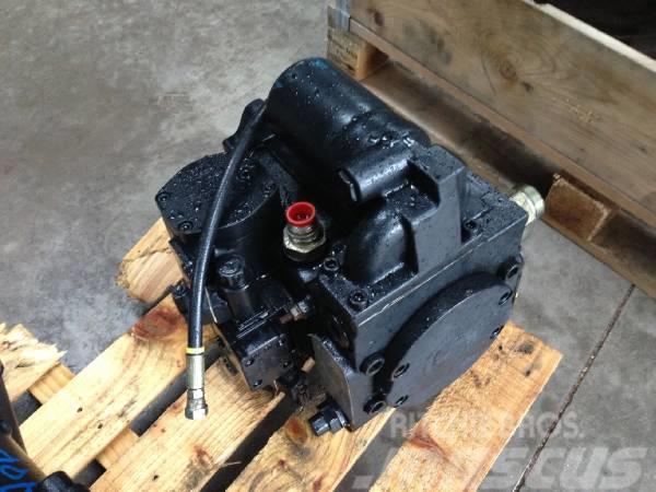 John Deere 1470D Trans pump F062534
