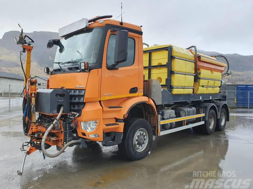 Mercedes-Benz Arocs 6x6 flushing truck 394 CV well-equipped