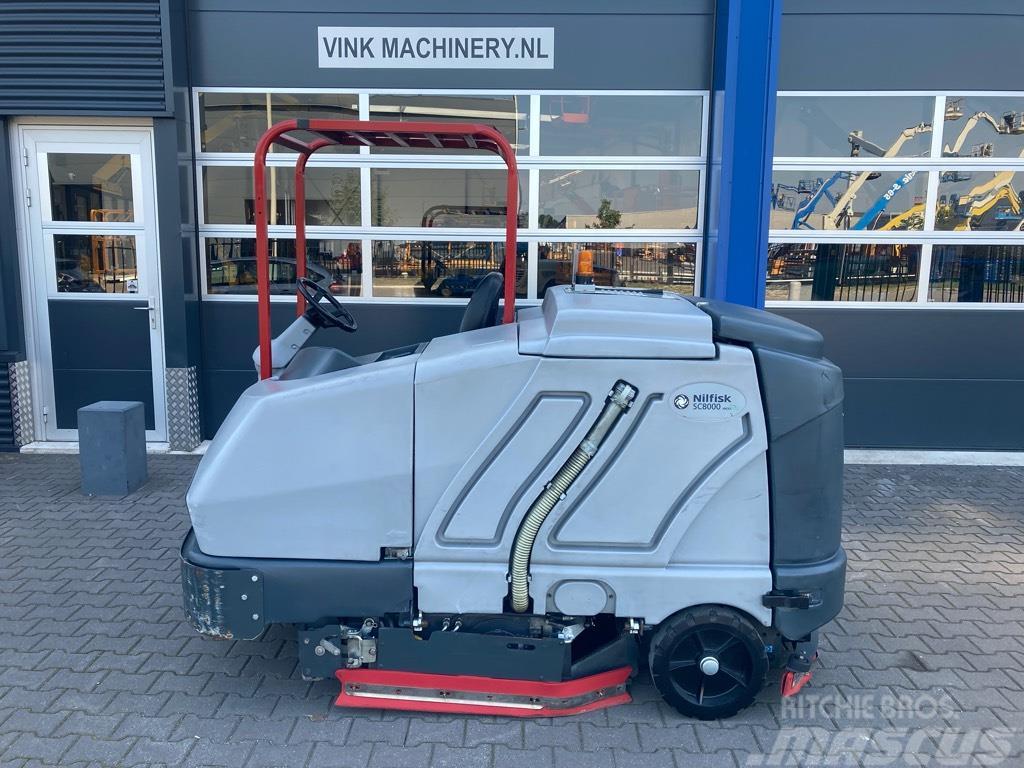 Nilfisk SC 8000 veeg/schrobmachine