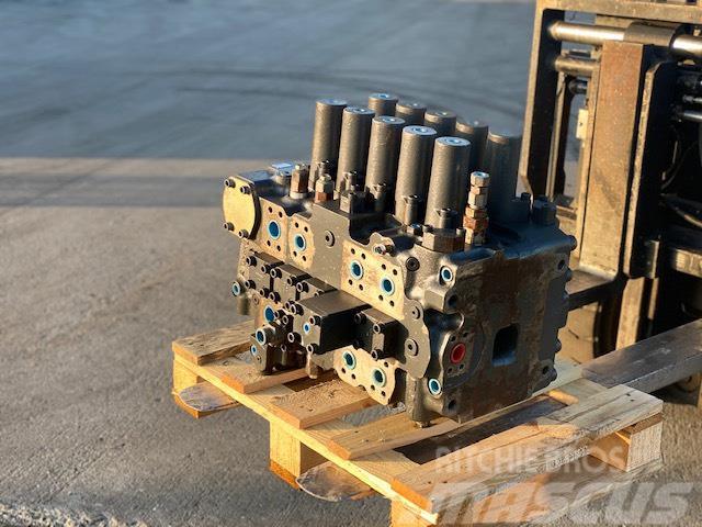Doosan DX 340 DX420 HYDRAULIC BLOCK