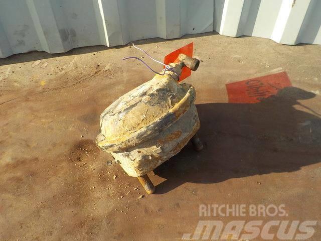 MAN TGA Brake cylinder 81511016483 81511016435