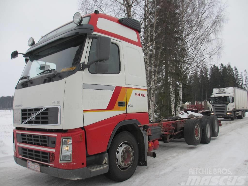Volvo FH12 500 8x2 alusta