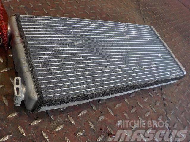 Mercedes-Benz Actros MPIII Heater radiator 8300720 8FH351312571