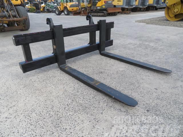 Volvo Pallet forks 11000kg Volvo L70-L120 240x160cm