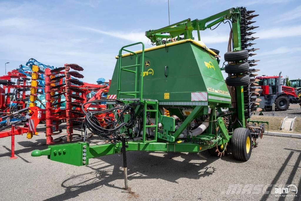 John Deere 740A 9 m folding mulch drill