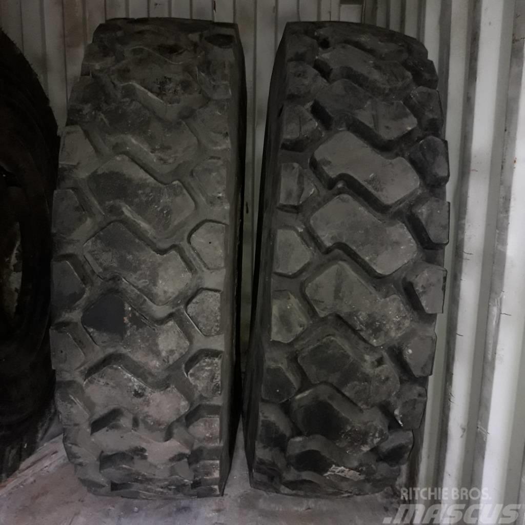 Caterpillar 773 Reifen tyres