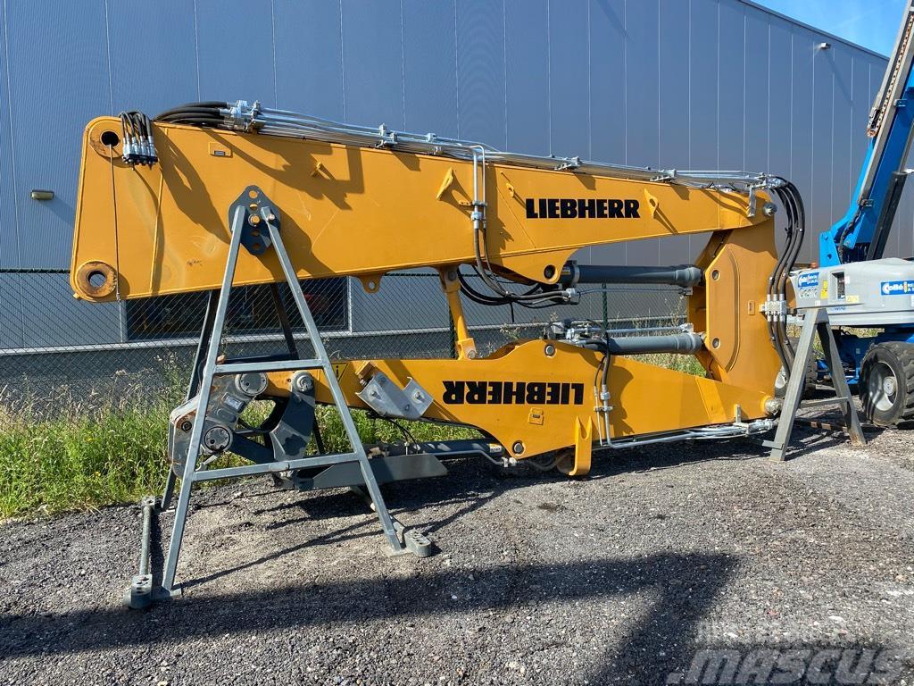 Liebherr 944 Demolition boom