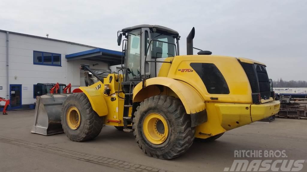 New Holland W270B