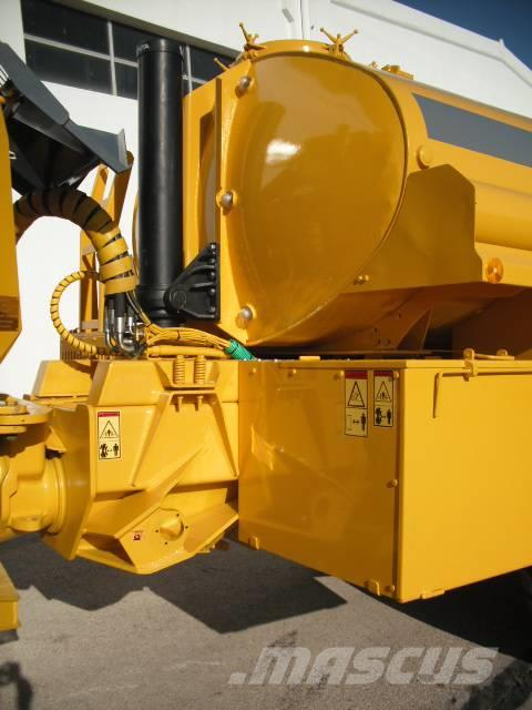 Used Volvo -a25c-with-new-water-tank articulated Dump Truck (ADT) Year: 2001 for sale - Mascus USA