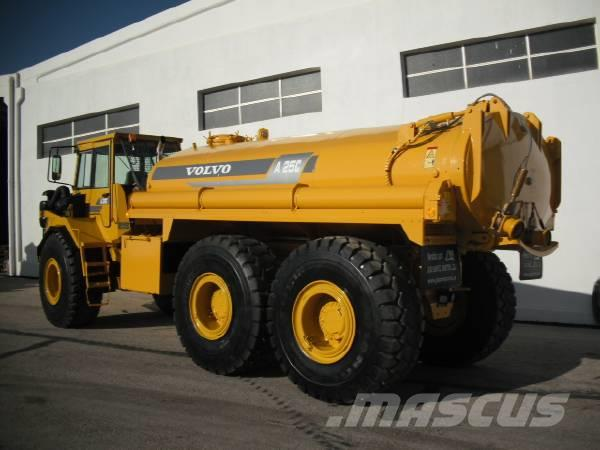 Used Volvo A25C WITH NEW WATER TANK articulated Dump Truck (ADT) Year: 2001 for sale - Mascus USA