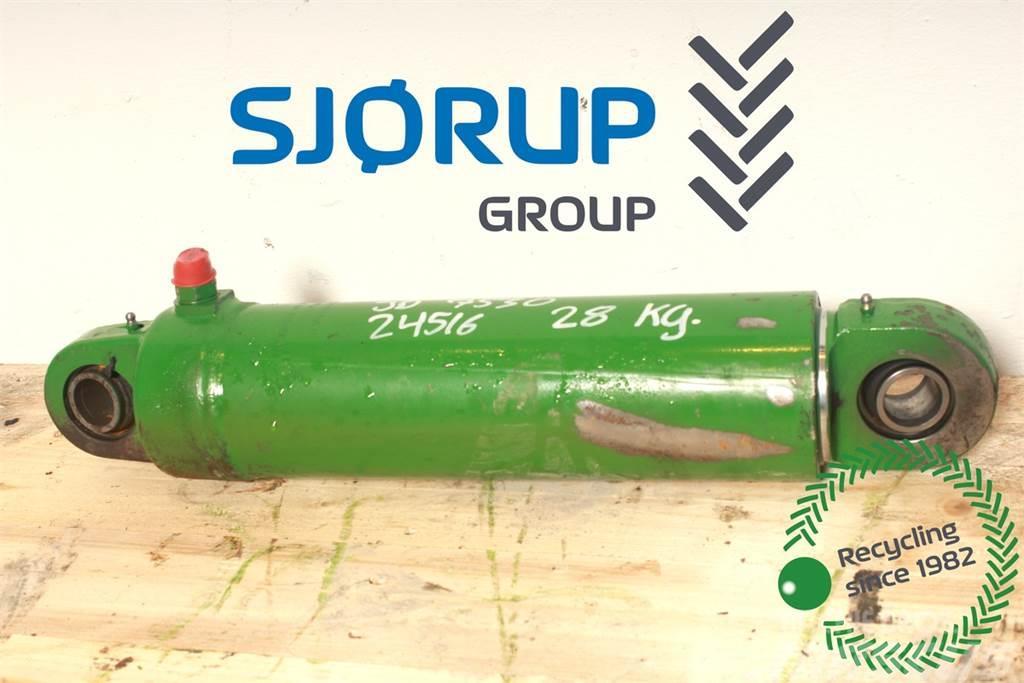 John Deere 7530 Lift Cylinder