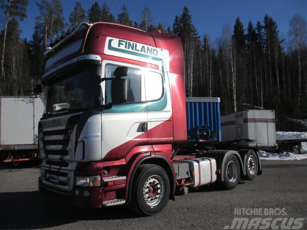 Scania R500 6x2 takateliveturi