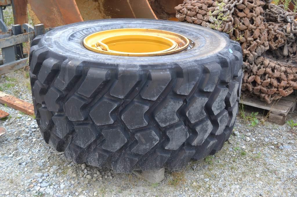 Michelin Reifen 750/65 R25