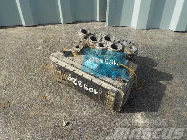 MAN TGA EBS modulator 81521066026/81521066042/81521066
