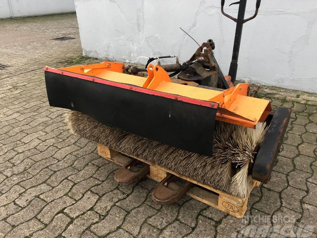 [Other] KMV Frontkehrmaschine * 130 cm Arbeitsbreite * Ant