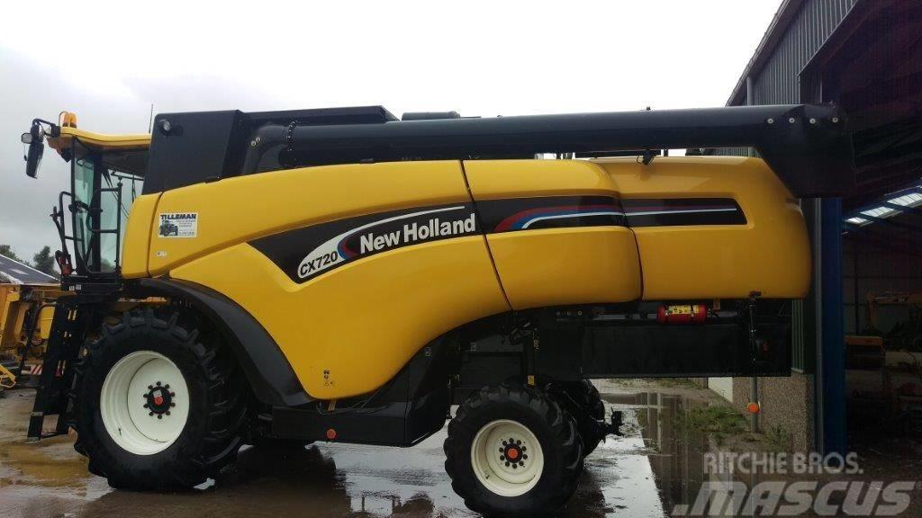 New Holland CX 720 Combine