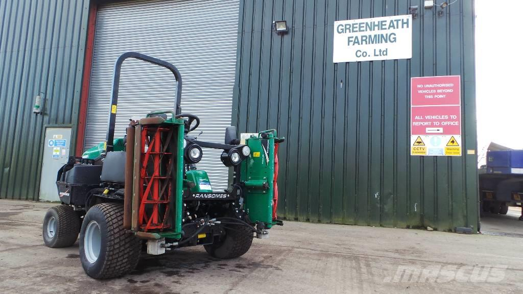 Ransomes Parkway 3 - Ride on reel / cylinder  mower