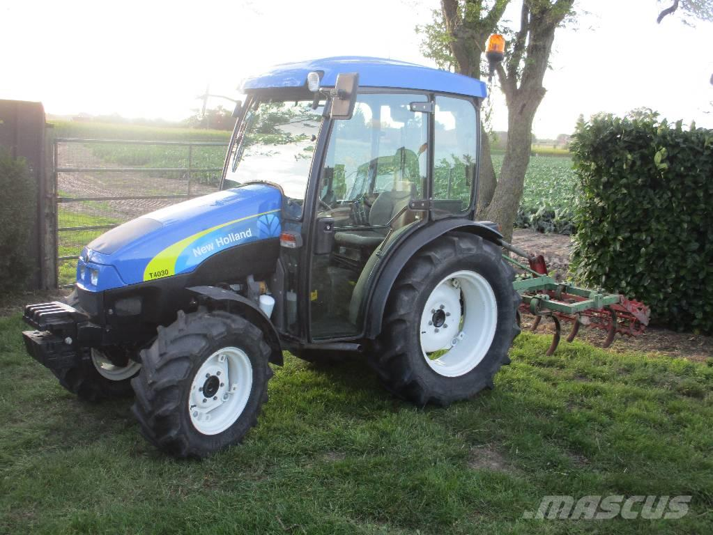 New Holland T 3020