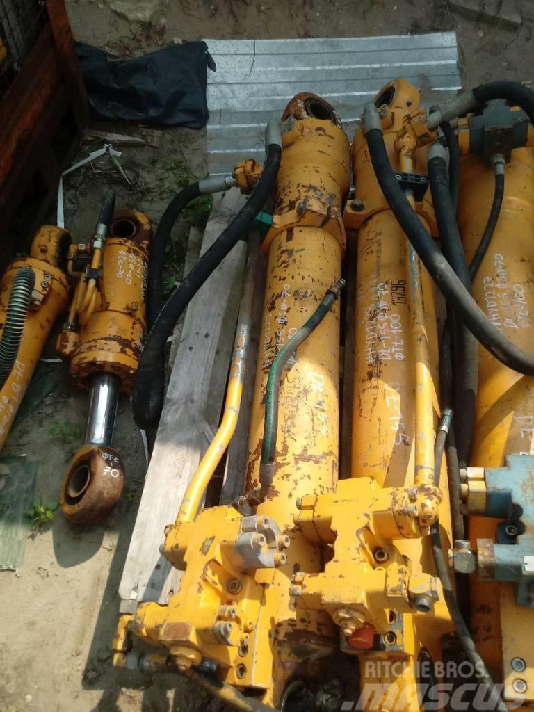 Liebherr Siłownik Liebherr Hydraulic cylinder 155 70 80