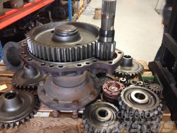 Timberjack / John Deere Drivlinekomponter / Antriebseinheiten