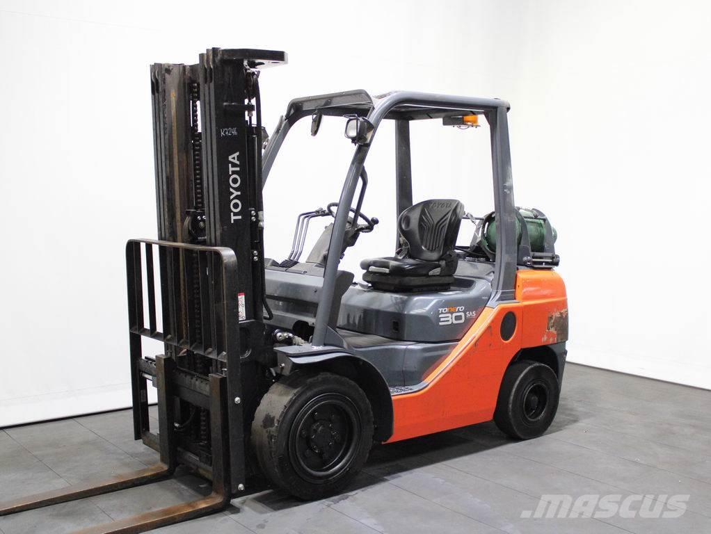 Toyota 02-8 FGF 30