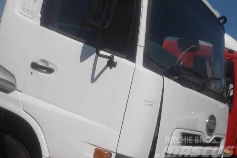 Nissan UD 440 WT